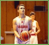 """16-годишният Илия Стефанов от БК """"Тунджа"""" – Ямбол е сред 12-те състезатели на националния отбор по баскетбол"""