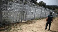 Оградата на границата вече е стратегически обект