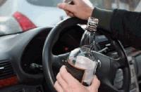 Полицаи хванаха пиян шофьор, намериха и наркотици
