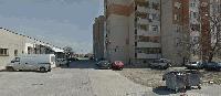 """Ж.К. """"Бенковски"""" в Ямбол: сбиване, счупено стъкло на лек автомобил, отнети пари и мобилни телефони"""