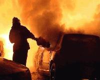 Два леки автомобила изгоряха в Сливен