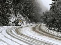 Затворени за движение са Твърдишкия проход и пътя Гурково-Сливен
