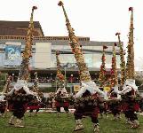 20 кукерски групи от цялата страна се включиха във Фестивала на маскарадните игри в Стара Загора