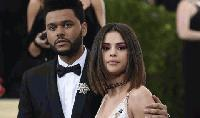 The Weeknd трупа популярност на гърба на Селена Гомес