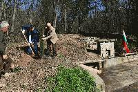 За Седмицата на гората: възстановиха чешмата в района на Моллова кория