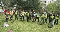 Продължава плановото косене на тревните площи в Сливен
