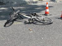 Откриха мъртъв велосипедист, ударен от автомобил в Сливен