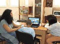 """Система за """"контрол с поглед"""" ще помага на деца с физически затруднения в Сливен"""