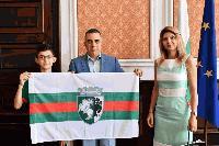 Кметът Стефан Радев се срещна със златния медалист от олимпиадата по математика в Тайланд