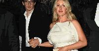 Певицата Ели Голдинг се сгоди