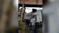 """Камион катастрофира край Гълъбово и разруши естакадата на ТЕЦ """"Брикел"""""""