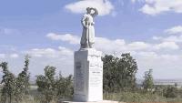 Ремонтираха паметника на загиналите във войните в село Ботево