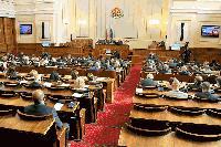 Парламентът отложи гледането на промените, заложени в Закона за пътищата