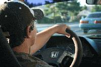 Младите шофьори – само с придружител на пътя