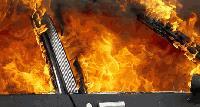 Пожарникар пострада при гасене на запален автомобил в Сливен