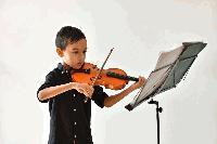 Откриха нова музикална стая за децата от школата на Георги Калайджиев