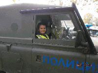 Полицаи зарадваха сливенски деца за празника на МВР