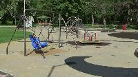 Ремонтни дейности в детския кът на Градския парк в Ямбол