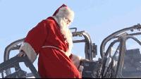 Дядо Коледа каца в Безмер с щурмови самолет