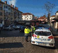 """Сливен:Сектор """"Пътна полиция"""" и ОП """"Градска мобилност"""" със съвместна акция в Синя зона"""