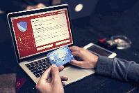Двама ямболлии арестувани за незаконна електронна търговия