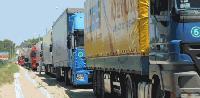 Транспортните фирми вече сами ще трябва  да спират камионите си по празниците