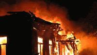 Три пожарни екипа гасиха пожар във вилната зона на Сливен