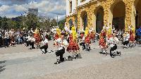 Десетки граждани присъстваха на концерт за Великден на площада пред Общината