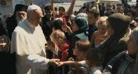 Допускат ни само с чадър до папа Франциск