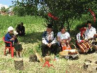 В село Камен връх умеят да празнуват и пазят българските традиции
