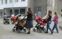 Дават еднократна помощ на 132 000 майки за 2019 година