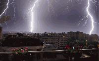 Гръмотевични бури и валежи в 13 области