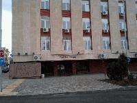 Блокират заплатата на тираджия от Сливен, отнесъл бариера в Унгария