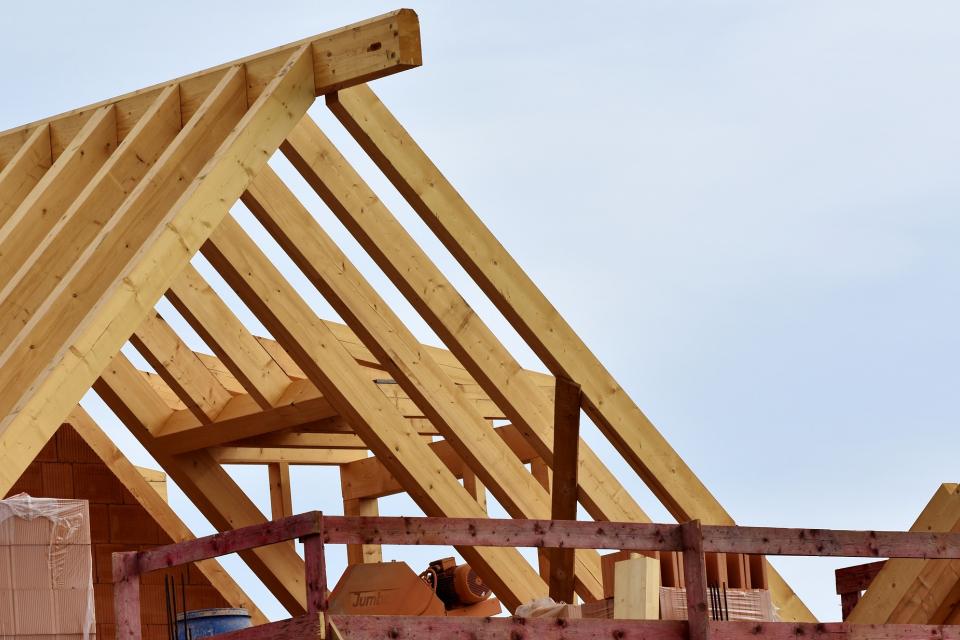 По предварителни данни на Националния статистически институт броят на въведените в експлоатация новопостроени жилищни сгради в област Ямбол през четвъртото...