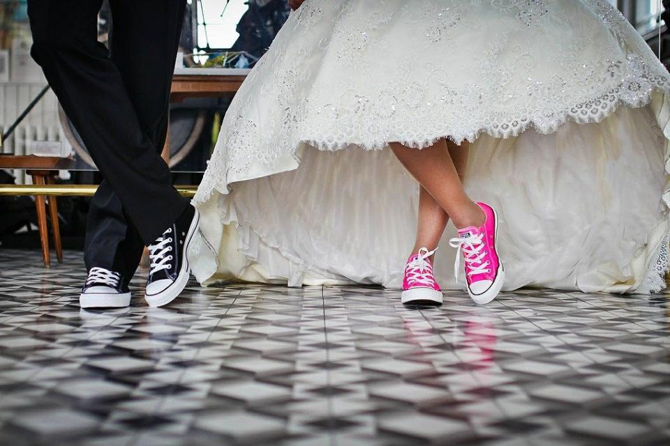 """По малко бракове, но и по-малко разводи са регистрирани през изминалата 2020 година, съобщават от отдел """"Статистически изследвания"""" в Ямбол. 355 са сключените..."""
