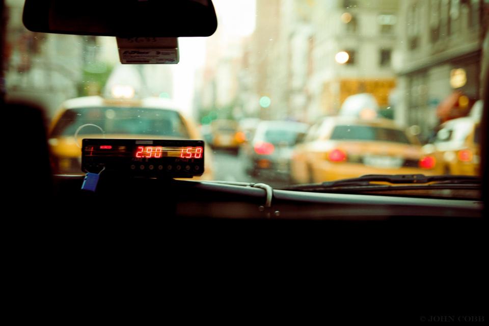 През 2021 година данъкът върху таксиметровия превоз на пътници в Община Пловдив ще се плаща в минималния му размер, съобщава БНР. Това означава, че ако...