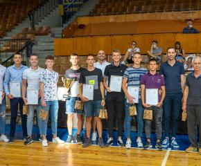 """В. Ревански към шампионите от БК """"Тунджа"""":  Ямбол има едни от най-талантливите състезатели и треньори"""