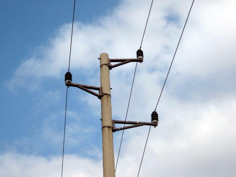 """Полицейски служители работя по инцидент с дете в сливенския квартал """"Надежда"""". На 7 септември 10-годишно момче е пострадало от токов удар. По време на..."""