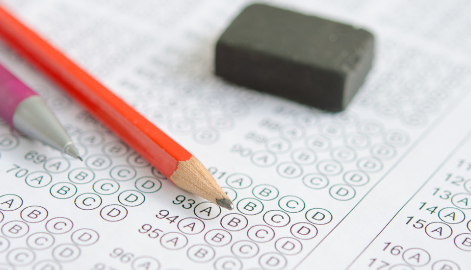 Общо 1077 зрелостници са подали заявка за допускане на държавни зрелостни изпити в област Сливен. Това съобщи за БТА Милена Чолакова, началник на Регионалното...