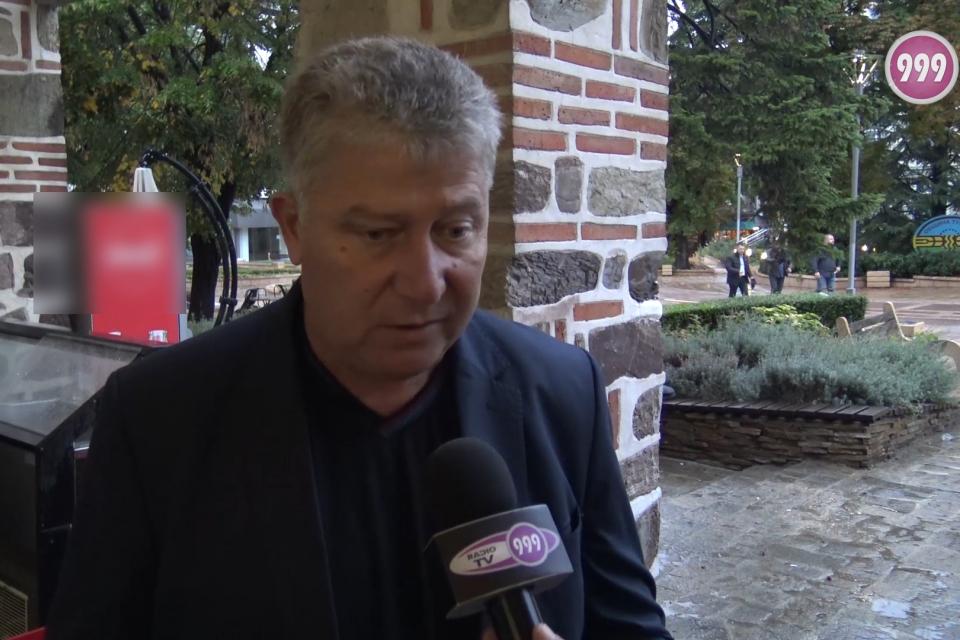 11 души от администрацията на община Тунджа са дали положителни проби за COVID-19. Всички са в добро състояние, заяви пред 999 кметът Георги Георгиев....