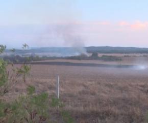 120 декара изгоряха край Челник, продължава борбата с огъня и в хасковско