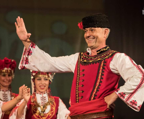 Ансамбълът за народни песни и танци Сливен представя България в международен фестивал