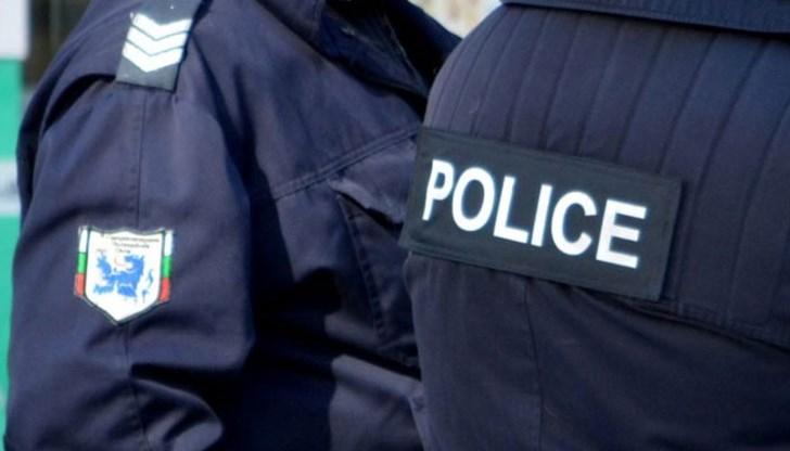 Новозагорски криминалисти задържаха 18-годишен старозагорец, извършил взломни кражби от хранителен магазин и лек автомобил. В края на миналата седмица...