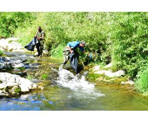 200 доброволци от Враца се включиха в почистването на река Лева