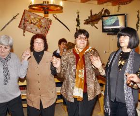 25 пенсионерски клуба на прегледа на българската песен