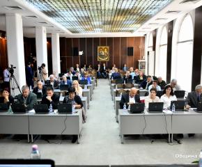 """С 27 гласа """"за"""" общинските съветници гласуваха промяната на бюджета на Сливен"""