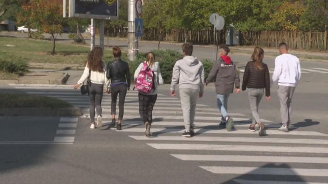 """От 3 до 15 години затвор грозят шофьора, който блъсна и уби 16-годишно момиче на пешеходна пътека в Сливен. Това обяви в """"Здравей, България"""" говорителят..."""