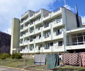 """37 домуващи на """"Качулка"""" са положителни за COVID-19"""
