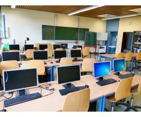 4 училища в ямболско и 3 в Сливен получават пари за STEM среда
