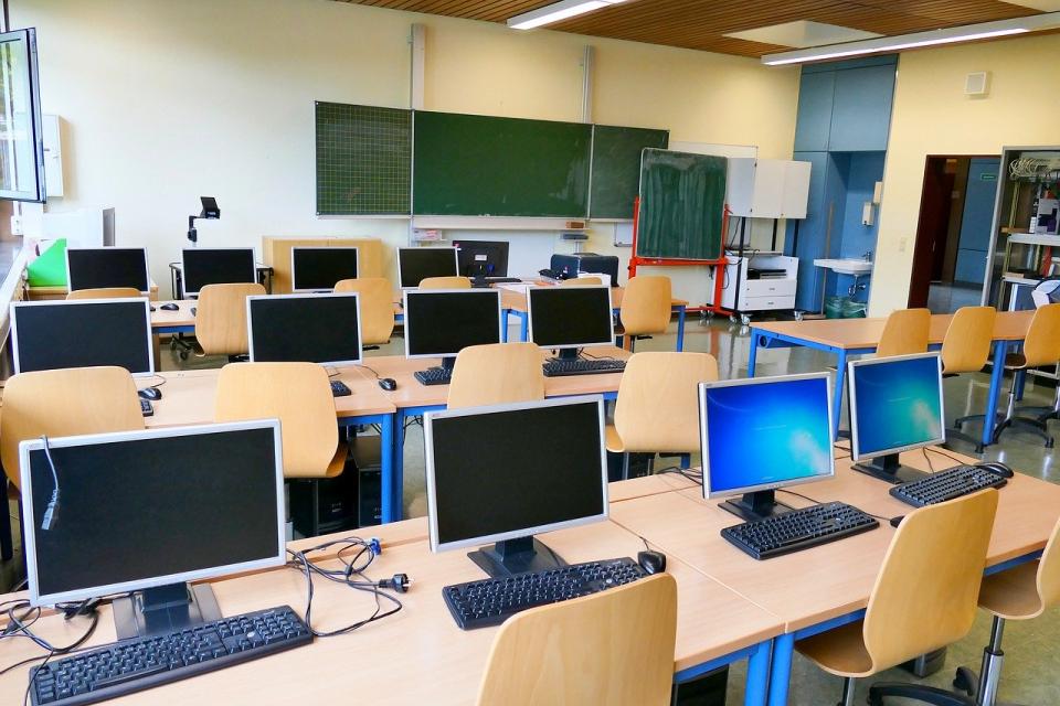 Общините Тунджа, Стралджа и Елхово ще получат допълнително финансиране от държавния бюджет за изграждане на училищна STEM среда, тоест центрове с фокус...